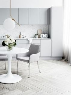 Modern Kitchen Design Bright kitchen with light gray cabinetry styled by Corina Kock and photographed by Kristina Soljo for Real Living magazine - White kitchen with gray cabinetry, scandinavian kitchen design Kitchen Ikea, Grey Kitchen Cabinets, Diy Kitchen Decor, Kitchen Flooring, Kitchen Backsplash, Grey Backsplash, Kitchen Dining, Wood Cabinets, Kitchen Hacks