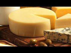 Confort Food, Cheese Shop, Artisan Cheese, Best Cheese, Portuguese Recipes, How To Make Cheese, Vegan Foods, Cheese Recipes, Diy Food