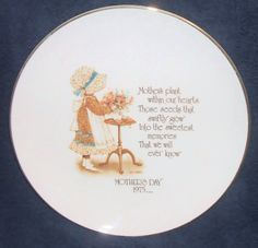 1975 Holly Hobbie Mothers Day Commemorative Plate by Andie83, $8.75