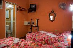 Detalle de una de las habitaciones. Cienfuegos, Colonial, Bed, Furniture, Home Decor, Decoration Home, Stream Bed, Room Decor, Home Furnishings