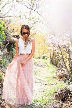 lace-and-locks-petite-fashion-blogger-tulle-maxi-skirt-japan-cherry-blossoms-03.jpg 700×1,050 pixels
