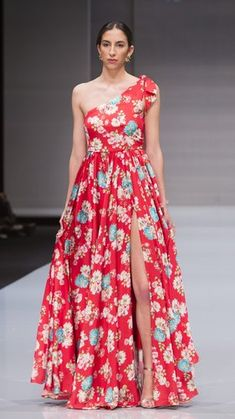 VESTIDO ALBA -CRUDO - Rocío Osorno - Diseñadora de moda - Sevilla Strapless Dress Formal, Formal Dresses, Dress Long, Plus Size Formal, Runway, Lily, Wedding, Outfits, Shopping