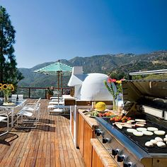 An amazing grill, a personal pizza oven and a breathtaking view!