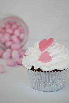 Cupcake with fondant hearts