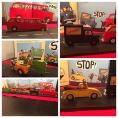 Houten figuren mbv figuurzaag gemaakt bij boek: de grote rode bus