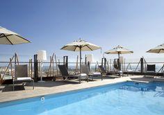 ¿Un motivo para visitar el AC Hotel Alicante? Desde la piscina se tiene una privilegiada y hermosa vista de la bahía, del Castillo de Santa Bárbara y de la ciudad de Alicante http://www.espanol.marriott.com/hotels/travel/alcal-ac-hotel-alicante/