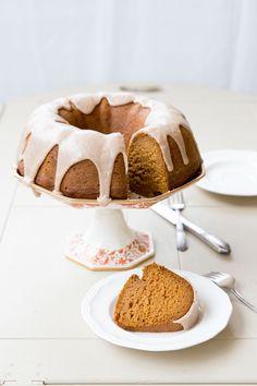 vegan pumpkin bundt cake