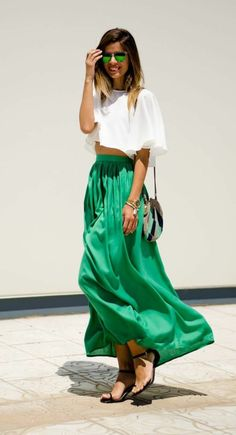 une jupe longue verte -> Tendance mode P/E 2016 http://lesgaleries.fr