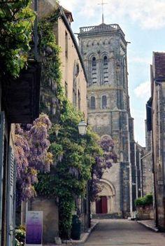 Vézelay - rue St Pierre