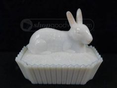 Milk Glass Bunny Dish Fostoria Glass, Vintage Glassware, Rabbits, Bunnies, Milk, Collections, Pottery, China, Couple