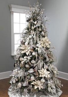 Tree: YULETIDE CHIC