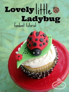 Flutter on over for this adorable ladybug fondant tutorial to adorn your springtime cakes, cupcakes and confections! Fondant Toppers, Fondant Cakes, Cupcake Cakes, Bug Cupcakes, Kitty Cupcakes, Snowman Cupcakes, Rose Cupcake, Giant Cupcakes, Cupcake Ideas