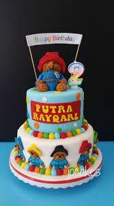 I adore Paddington Bear, maybe even more than Pooh Bear. Bear Birthday, First Birthday Cakes, 2nd Birthday, Birthday Parties, Birthday Ideas, Paddington Bear Party, Character Cakes, Bear Cakes, Cake Cookies