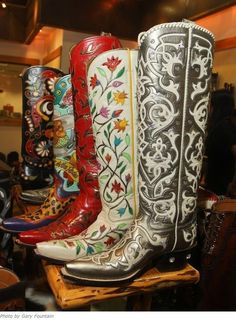 ♥ Boots :)