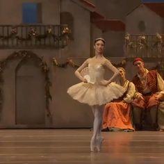 Ballet Dance Videos, Ballet Dancers, Ballerina Dress, Learn To Dance, Ballet Beautiful, Dance Pictures, Dance Art, Dance Photography, Insecure