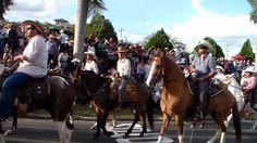 DESFILE DE CAVALEIROS DE JAGUARIÚNA 2015 PARTE 10