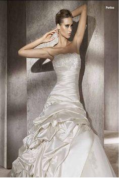 Google Image Result for http://weddingdella.com/wp-content/uploads/2011/05/Beautiful-Ball-Gowns-Wedding-Dresses-2012-3.jpg