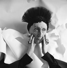 """he 1962 portraits of Dame Edith Sitwell by Sir Cecil Beaton – """"I am not eccentric. It is just that I am more alive than most people are. Marilyn Monroe, Diana Cooper, British Poets, Louise Nevelson, English Fashion, Cecil Beaton, Isabel Ii, Ex Machina, My Fair Lady"""
