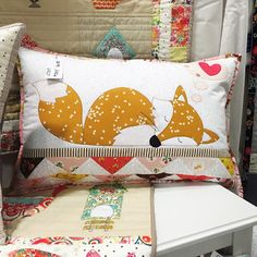 Baby Quilts To Make, Baby Boy Quilts, Patchwork Cushion, Quilted Pillow, Sewing Pillows, Diy Pillows, Fox Quilt, Fox Pillow, Fox Decor
