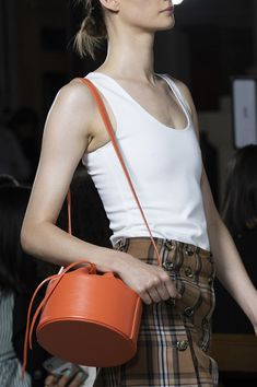 London Spring, London Fashion, Bucket Bag, Runway, Trends, Craft, Photos, Cat Walk, Walkway