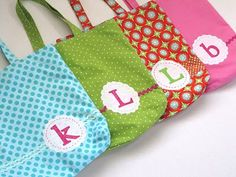 quick and simple library totes - make with initial for party favor!