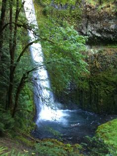 Tunnel Falls, Oregon on the Pacific Crest Trail