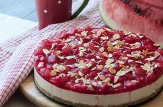 Watermelon cheesecake by Greek chef Akis Petretzikis! You can not believe how much flavor this refreshing fruit adds to an already delicious, creamy cheesecake! Snack Recipes, Dessert Recipes, Snacks, Desserts, Greek Sweets, Cheesecake Recipes, Cheesecakes, Acai Bowl, Watermelon