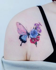 Butterfly With Flowers Tattoo, Butterfly Tattoos For Women, Butterfly Tattoo Designs, Mini Tattoos, Rose Tattoos, Body Art Tattoos, Small Tattoos, Pretty Tattoos For Women, Beautiful Tattoos