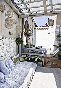 terrasse bohemian stil pendelleuchten sitzkissen