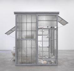 Robert Therrien - Transparent Room, 2010