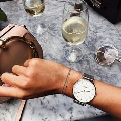 You made it through the week 😜 Time for a glass with friends 🍷 Happy FRI-YAY! #CLUSE #clusejewellery #FallForCLUSE Photo by @daniellejasmine__