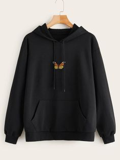 To find out about the Butterfly Embroidered Kangaroo Pocket Drawstring Hoodie at SHEIN, part of our latest Sweatshirts ready to shop online today! Stylish Hoodies, Unique Hoodies, Comfy Hoodies, Cheap Hoodies, Aesthetic Hoodie, Aesthetic Clothes, Aesthetic Sweaters, Hoodie Outfit, Jugend Mode Outfits