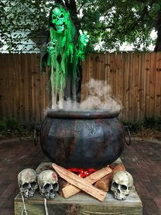 WITCHES CAULDRON COOLER Halloween Witch Decorations, Halloween Party Themes, Halloween Projects, Halloween Diy, Party Supply Store, Witches Cauldron, Trunk Or Treat, Outdoor Halloween, Garden Sculpture