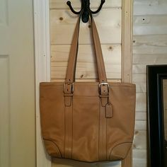 Coach leather tote bag 13 x 11 x 4 100% authentic leather coach bag Coach Bags Shoulder Bags