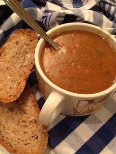 Uit mijn keukentje: Bruine bonensoep Dutch Recipes, Soup Recipes, Vegan Recipes, Falafel, Paella, Cooking Tips, Winter, Sushi, Slow Cooker