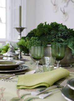 Dark green tablescape for your St Patricks Day dinner
