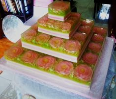 4 tiers art jelly with pink roses