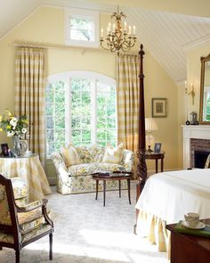 buttery yellow bedroom - Browse the exterior and interior images of Charles River Country House located in Wellesley, MA French Country Bedrooms, French Country Decorating, Beautiful Bedrooms, Beautiful Interiors, House Beautiful, Rideaux Shabby Chic, Pretty Room, Teen Girl Bedrooms, Home Bedroom