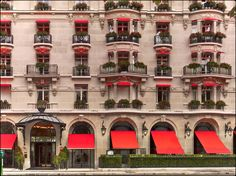 The Curtain Rises: Jouin Manku Redesigns Dining at Plaza Athénée Hotel Magazine Design, Interior Design Magazine, Plaza Athenee Paris, Parsons School Of Design, Classical Architecture, Building Architecture, Hotel Interiors, Paris Hotels, Design Firms