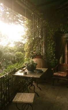 Home decoration outdoor backyard romantic bohemian outdoor space backyard space plants and green house outdoor living Outdoor Rooms, Outdoor Living, Outdoor Gardens, Dream Garden, Home And Garden, Balcony Garden, Balcony Ideas, Garden Spaces, Porch Garden