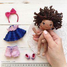 Смотрите какой пупсик голышок у неё малюсенькие туфельки , красивое платье , бантик и конечно панталончики ❤️❤️❤️ Куколка из хлопка , глазки вышиты, размер 13 см ✔️при маме/ sold out -------------------------- Ваша #olyaka_lab #кукольнаялабораторияоля_ка #одеждакукололяки #малышкаотоляки #кудряшкиоляки --------------------------------------- #instaartis #dollartist #куклыручнаяработа #lovecrochet#вяжукукол#dollmaker#ручнаяработа#малышка #рюшки #бантики