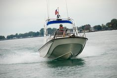 Dave Buckalew - 18 Outrage Boston Whaler - St Clair River Michigan - Photo Credit © Jeff Rohlfing - Boston Whaler, Cool Boats, Diy Boat, Speed Boats, Wooden Boats, The St, Michigan, Sailing, River