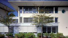 Buitenjaloezueën Laat u inspireren door Luxaflex® raamdecoratie. Buitenjaloezieënwww.cdinterieurs.nl