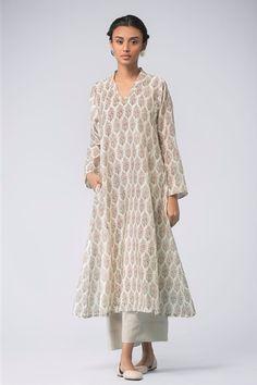 184914455f54d Good Earth - Gulnaar:Afseen Malkha Cotton Farshi Cotton Anarkali, White  Anarkali, Salwar