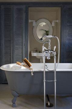 Grey Grandeur - Bathroom Ideas - Tiles, Furniture & Accessories (houseandgarden.co.uk)