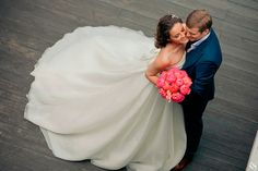 Love this angle and the way the bouquet pops! #wedding
