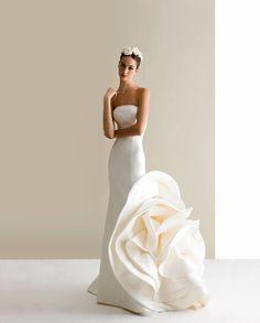 Antonio Riva - Wedding Dresses Bridal Gowns,Prom Dresses On Sale Wedding Dress Trends, Bohemian Wedding Dresses, Modest Wedding Dresses, Wedding Gowns, Wedding Pics, Types Of Gowns, Traditional Gowns, Bridal Skirts, Bride Gowns