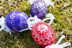 Easter is coming! Christmas Bulbs, Easter, Holiday Decor, Smoked Salmon Recipes, Christmas Light Bulbs, Easter Activities