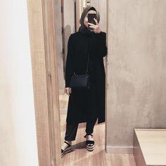 New Ideas Photography Lifestyle Couple Style Hijab Casual, Ootd Hijab, Hijab Outfit, Abaya Fashion, Modest Fashion, Fashion Outfits, Womens Fashion, Fasion, Photography Women