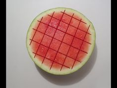Check out this video to know how to cut watermelon fast and easy to eat. Instead of slicing watermelon into big pieces that get messy all over your face and chin. Watermelon Baby, Watermelon Slices, Watermelon Recipes, Fruit Recipes, Watermelon Cutting, Watermelon Smoothies, Soda Fountain Machine, Ninja Kitchen, Cubes